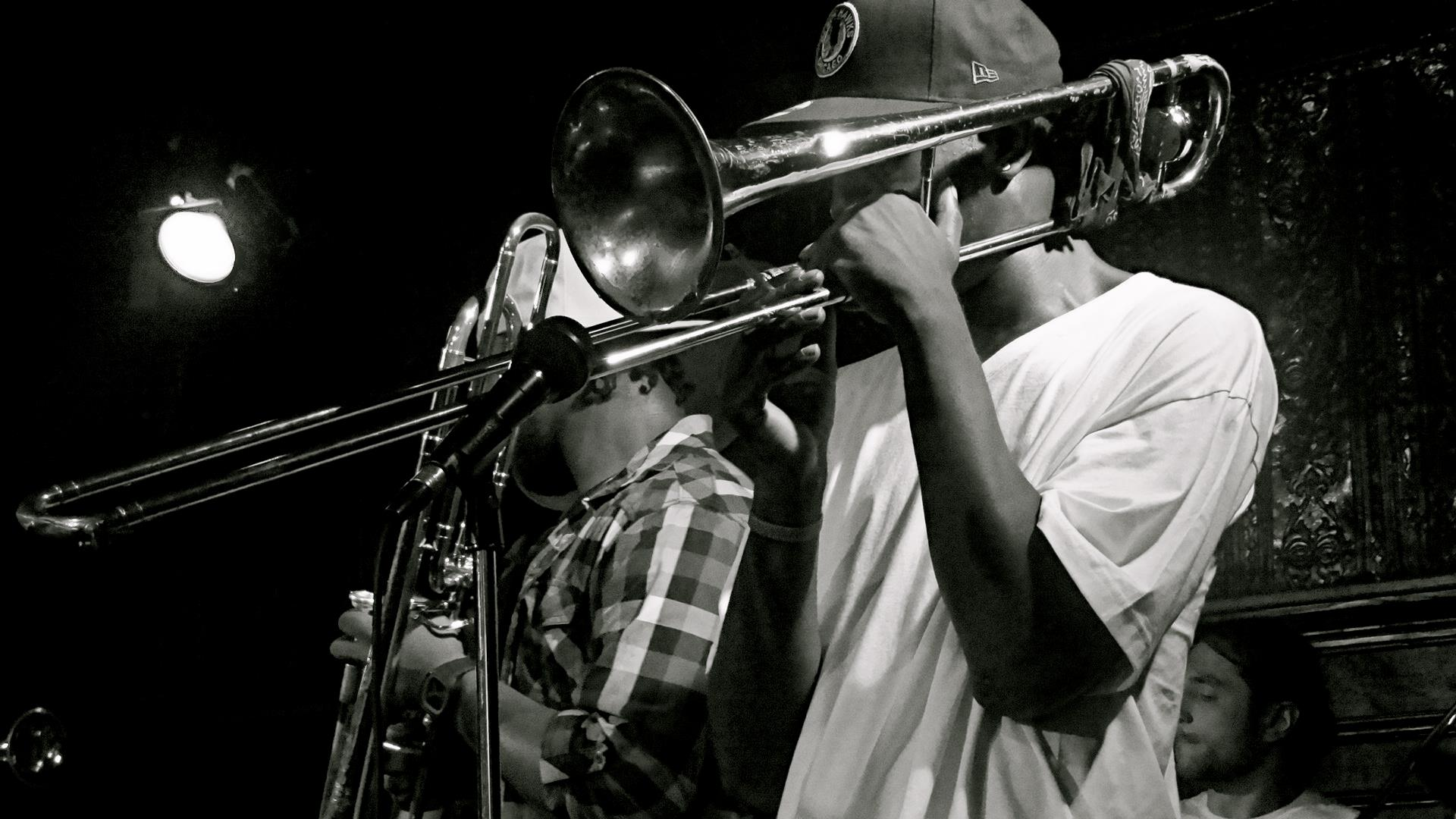 STREET LEGENDS BRASS BAND LIVE AT THE MAISON!